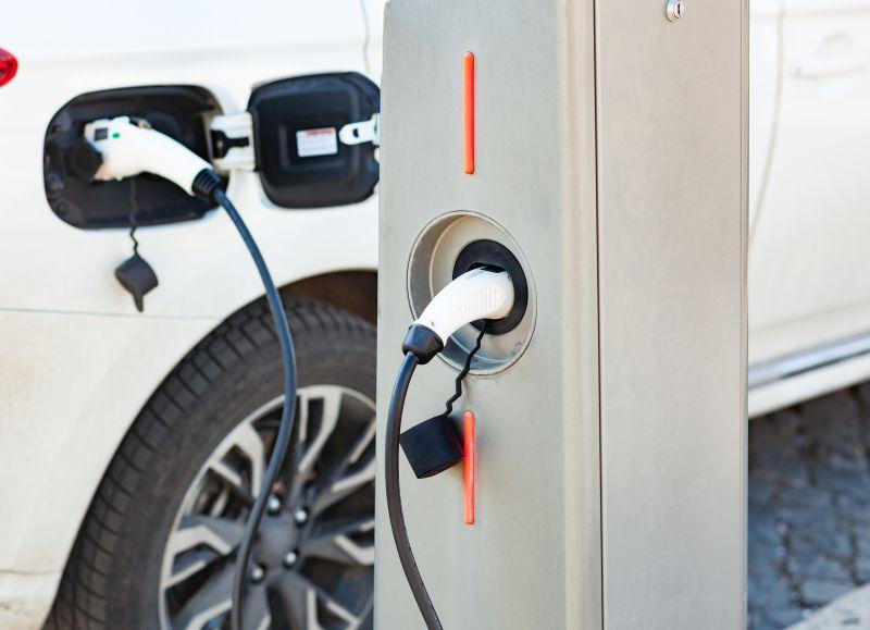 Puntos de recarga para vehículos eléctricos: una necesidad urgente