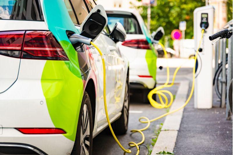 Facilitamos puntos de recarga de coches eléctricos a ayuntamientos